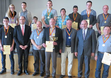 wunderbare medaille gold